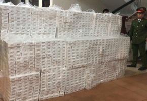 Hàng triệu gói thuốc lá nhập lậu bị thu giữ, nhưng quá khó để xử lí