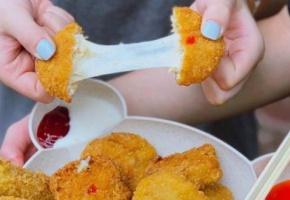 Bánh gà 5000 chế biến từ loại gà đóng tảng