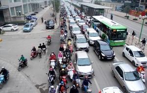 Người dân vẫn được đi xe buýt nhanh miễn phí qua Tết Nguyên đán