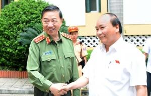 Thủ tướng Nguyễn Xuân Phúc dự hội nghị về công tác đảm bảo an ninh kinh tế