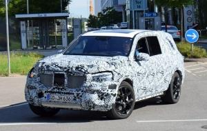 Lộ diện mẫu SUV GLS 2019 của Mercedes trên đường chạy thử