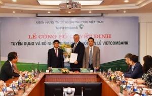 Nhân sự lãnh đạo là người nước ngoài đầu tiên trong lịch sử Vietcombank là ai?