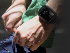 Omate X - Đồng hồ thông minh cao cấp mới của Omate