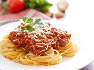 Cách làm mỳ Ý sốt cà chua thịt bò băm hương vị khó quên