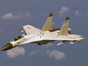 Tình hình biển Đông ngày 26/8: Vì sao Trung Quốc chặn máy bay Mỹ?