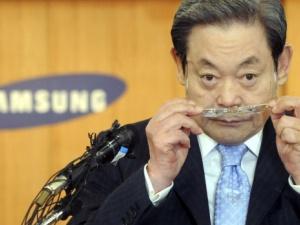 Chủ tịch tập đoàn Samsung đòi nhân viên đối xử như một vị chúa