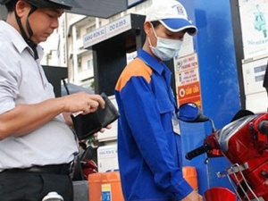 Giảm giá xăng dầu từ 12 giờ 00 ngày 29/8/2014
