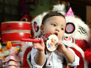 Cách lựa chọn đồ chơi trung thu an toàn cho trẻ