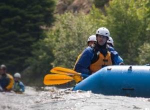 Thu hồi mũ bảo hiểm thể thao dưới nước do nguy cơ gây chấn thương đầu