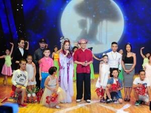 Bước nhảy hoàn vũ nhí tặng quà trung thu đầy bất ngờ cho các thí sinh