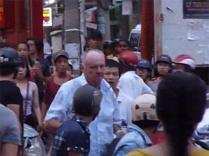 Ông tây đánh người ở Đà Nẵng phải bồi thường 3000 USD
