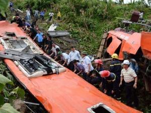 Công an tỉnh Lào Cai khởi tố điều tra vụ án lật xe khách làm 14 người chết
