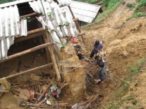 Lạng Sơn: 7 người chết do lở đất trong đêm
