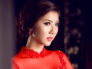 Quyến rũ như cô dâu Ngọc Quyên trong tà áo dài đỏ truyền thống