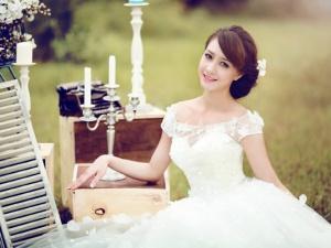 Cách chọn váy cưới phù hợp với dáng người