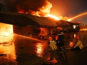 Vụ cháy khủng khiếp tại Bình Dương: 7.000m2 nhà xưởng bị thiêu rụi