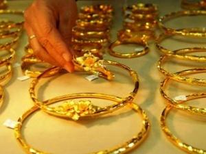 Giá vàng hôm nay: Giá vàng giảm nhẹ do sức ép từ nhiều phía