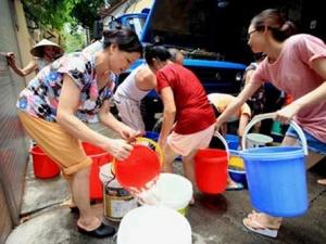 Người dân Hà Nội chuẩn bị đóng tiền nước sinh hoạt ở mức cao