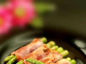 Cách làm món thịt cuốn măng tây vô cùng hấp dẫn