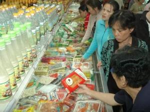 Walmart Trung Quốc bán đồ ăn sẵn kém chất lượng