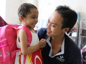 Vụ cháu bé 4 tuổi bị bạo hành dã man ở Bình Dương: Xác định cha ruột bé Kim Ngân