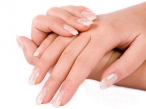 Nhận biết dấu hiệu bệnh tật qua móng tay