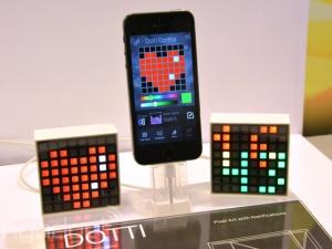 Hộp đèn thông minh hiển thị thông báo trên smartphone