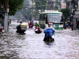 Dự báo thời tiết hôm nay ngày 24/10: TPHCM ngập úng nặng do mưa lớn và triều cường