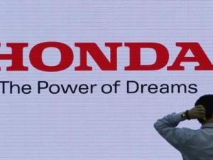 Lãnh đạo Honda bị cắt giảm lương vì bê bối chất lượng xe