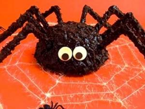 Cách làm món bánh hình con nhện xù xì ăn đêm Halloween