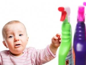 Cảnh báo trẻ nhập viện vì nước tẩy rửa