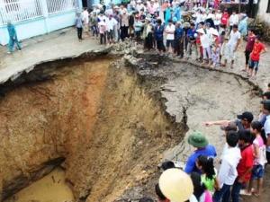 Hố tử thần tại Thanh Hóa: Sẽ còn sụt lún tiếp?
