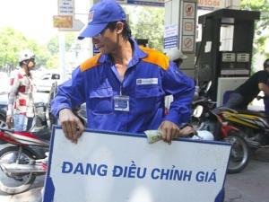 Tiếp tục giảm giá xăng dầu trên phạm vi toàn quốc