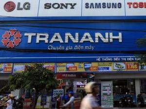 Khách hàng mua tivi mới, Trần Anh 'vô tình' giao nhầm tivi cũ