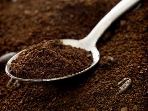 Cách làm trắng da toàn thân tự nhiên với cà phê