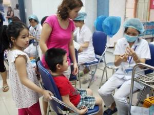 Người dân có tâm lý e ngại tiêm vắc xin miễn phí