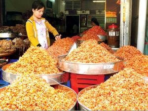 Phong phú khô ăn Tết
