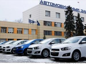 Đồng rúp mất giá, General Motors tháo chạy khỏi thị trường Nga