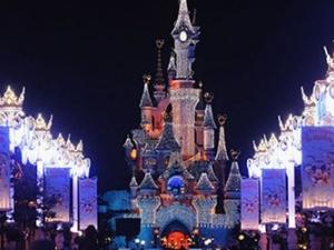 Paris by night lả lơi đón chào năm mới