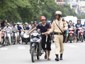 Dùng công nghệ hiện đại bí mật giám sát Cảnh sát giao thông