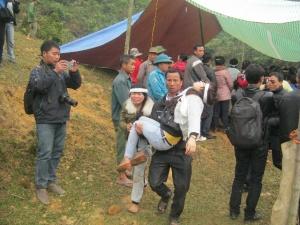 Toàn cảnh đám tang đẫm lệ tiễn đưa các nạn nhân vụ tai nạn ở Thanh Hóa