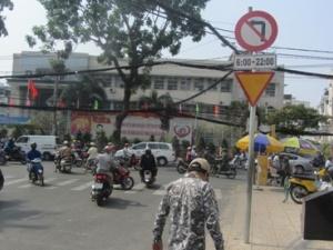 Những nơi biển báo giao thông vô tư bị vô hiệu hóa