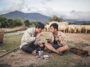 Hoài Lâm cùng 'người cha câm' gây xúc động mạnh