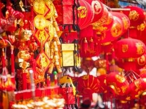 Phố Hàng Mã - Hà Nội tấp nập hàng hóa phục vụ tết Ất Mùi