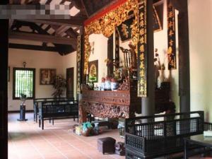 Ghé thăm ngôi nhà 'ngập gỗ quý' của đại gia đình Xuân Hinh