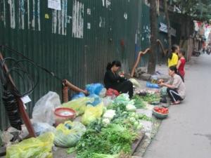 Đầu năm, chợ cóc được dịp 'hoành hành'
