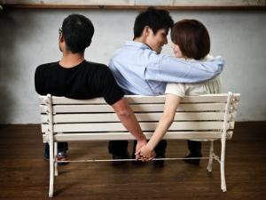 Hàn Quốc chính thức bãi bỏ tội ngoại tình sau 62 năm