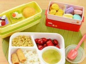 Các mẹo hay làm sạch hộp nhựa đựng thức ăn