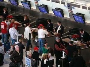 Hàng nghìn chuyến bay bị hủy vì bão mùa đông ở Mỹ