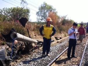 Một chiếc máy cày khiến đường sắt Bắc Nam tê liệt tạm thời